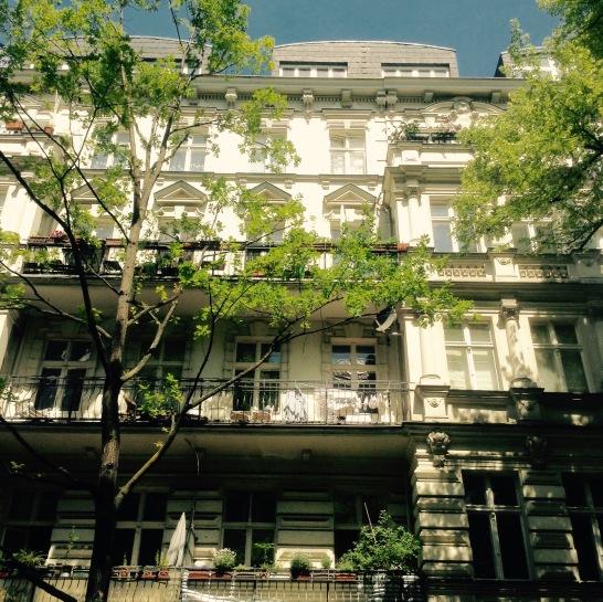 Kaiser-Wilhem Pl. apartments