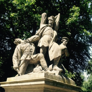 Tiergarten statue 1
